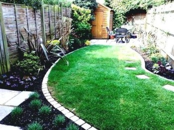 Beautiful Backyard Landscaping Design Ideas With Low Maintenance 16