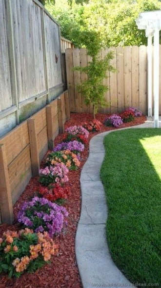 Beautiful Backyard Landscaping Design Ideas With Low Maintenance 28