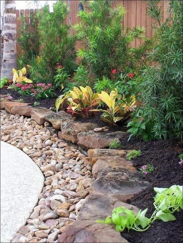 Beautiful Backyard Landscaping Design Ideas With Low Maintenance 33