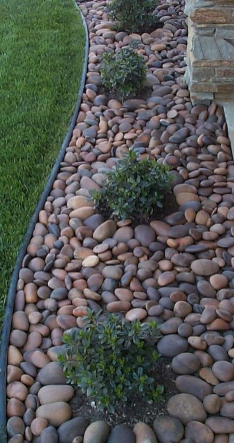 Beautiful Backyard Landscaping Design Ideas With Low Maintenance 34