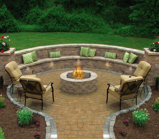 Best Outdoor Fire Pits Decorating Ideas For Spring 15