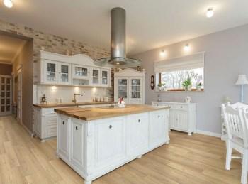 Classy Kitchen Floor Ideas with Hardwood 22