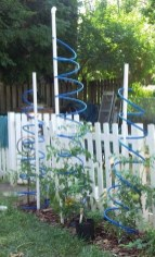 Cool DIY Garden Trellis Ideas 21