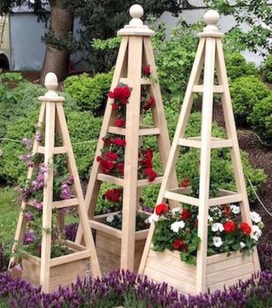 Cool DIY Garden Trellis Ideas 24