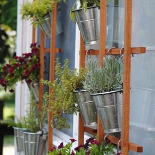 Cool DIY Vertical Garden for Front Porch Ideas 23