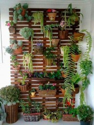 Cool DIY Vertical Garden for Front Porch Ideas 38