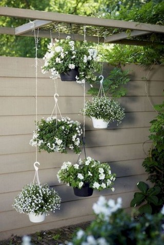 Cool DIY Vertical Garden for Front Porch Ideas 44