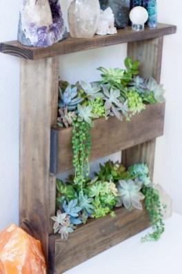 Cool DIY Vertical Garden for Front Porch Ideas 51