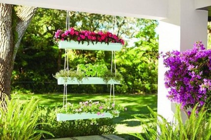 Cool DIY Vertical Garden for Front Porch Ideas 61