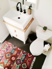 Cool Minimalist Bathroom to Add to Your Dream Home Decor 05