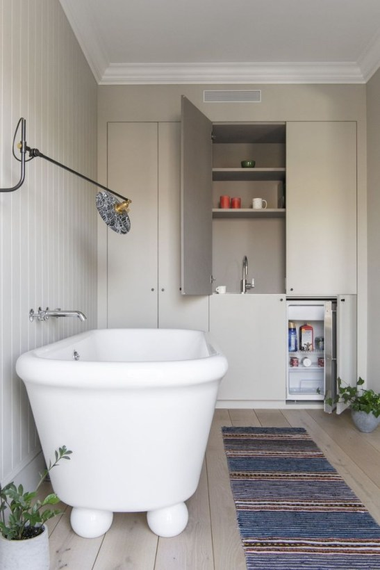 Cool Minimalist Bathroom to Add to Your Dream Home Decor 10