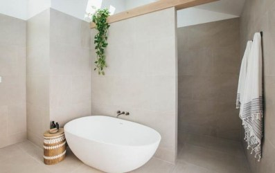Cool Minimalist Bathroom to Add to Your Dream Home Decor 58