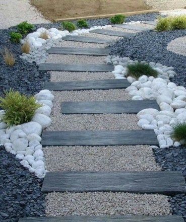 Landscaping Front Yard Ideas to Beautify Your Garden Design 38
