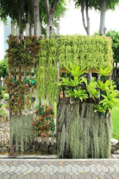 Stunning DIY Vertical Garden Design Ideas 29