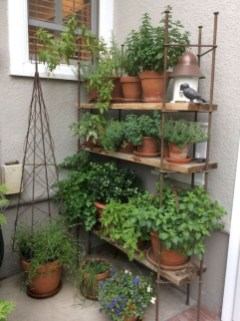 Amazing DIY Garden Decoration Idea You Must Try 07