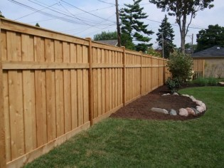 Amazing Farmhouse Privacy Fence to Perfect Your Backyard 13