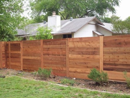 Amazing Farmhouse Privacy Fence to Perfect Your Backyard 24