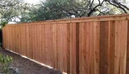 Amazing Farmhouse Privacy Fence to Perfect Your Backyard 26