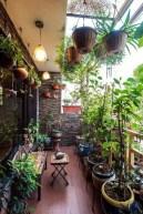 Basic Exterior Wall Into an Elegant Vertical Garden to Perfect Your Garden 23