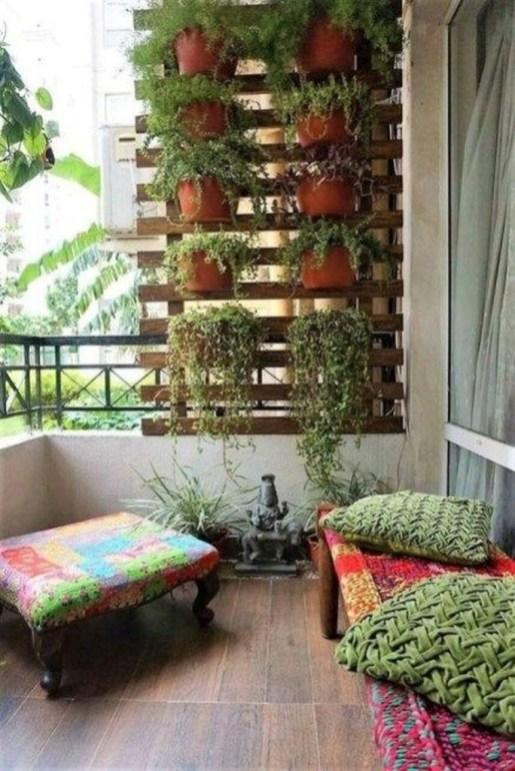 Basic Exterior Wall Into an Elegant Vertical Garden to Perfect Your Garden 39