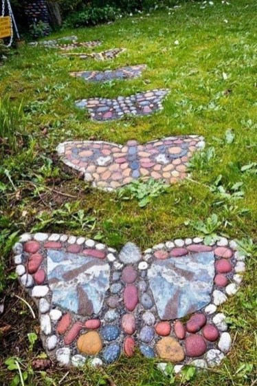 Beautiful DIY Mosaic Ideas To Beautify Your Garden 04