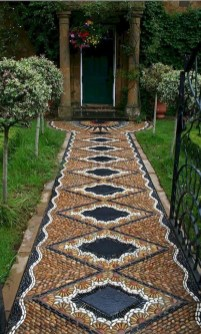 Beautiful DIY Mosaic Ideas To Beautify Your Garden 11