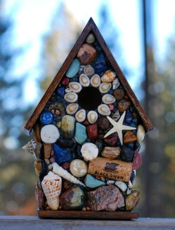 Beautiful DIY Mosaic Ideas To Beautify Your Garden 12