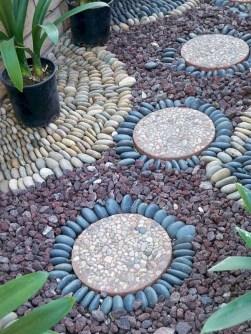 Beautiful DIY Mosaic Ideas To Beautify Your Garden 13
