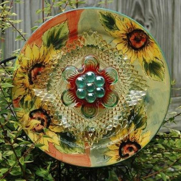 Beautiful DIY Mosaic Ideas To Beautify Your Garden 43