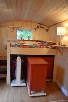 Best Maximizing Your Tiny Bedroom 17