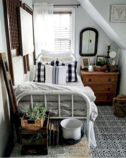 Best Maximizing Your Tiny Bedroom 22
