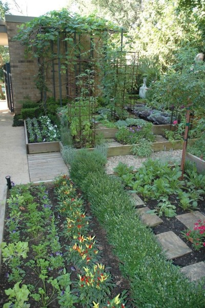 Clever Gardening Ideas with Low Maintenance 16