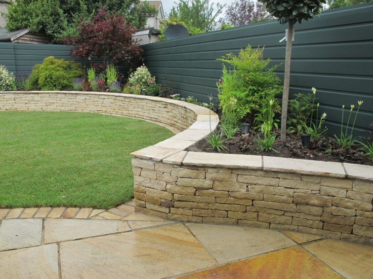 Clever Gardening Ideas with Low Maintenance 41