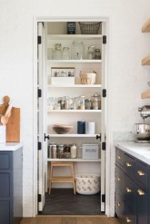 Cool Farmhouse Kitchen Decor Ideas On a Budget 29