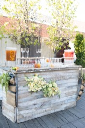 DIY Bright Outdoor Bar Using Pallet 01