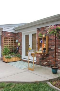 DIY Bright Outdoor Bar Using Pallet 09