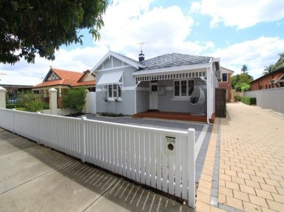 How to Coolest & Looks Bright, with Fences White-colored House 10