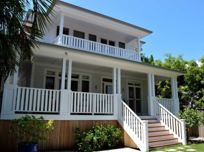 How to Coolest & Looks Bright, with Fences White-colored House 12