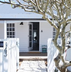 How to Coolest & Looks Bright, with Fences White-colored House 21