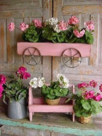 Inexpensive DIY Planter with Pallet 01
