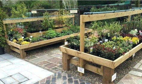 Inexpensive DIY Planter with Pallet 08