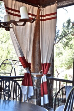 Outdoor Curtain Ideas to Spice Up Your Outdoor Space 43