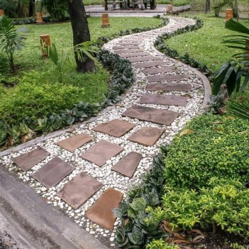 Stunning Garden Path and Walkways Design to Beautify Your Garden 32