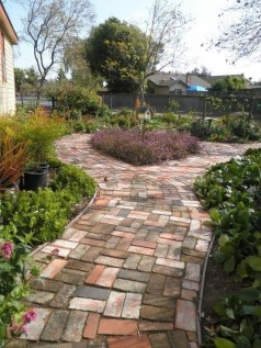 Stunning Garden Path and Walkways Design to Beautify Your Garden 65