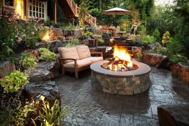 Wonderful Outdoor Firepit Ideas 08