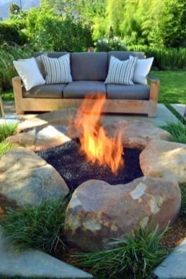 Wonderful Outdoor Firepit Ideas 27