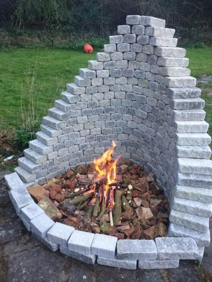 Wonderful Outdoor Firepit Ideas 31