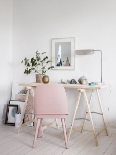 Amazing DIY Space-Saving Pallet Desk Ideas That You Must Try 01