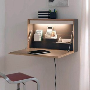 Amazing DIY Space-Saving Pallet Desk Ideas That You Must Try 04