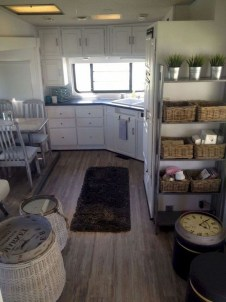 Amazing RV Decorating Designs and Project That You Have To Try 38